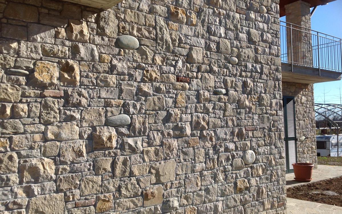 Rivestimento In Pietra Naturale: Rivestimento di facciata in ...