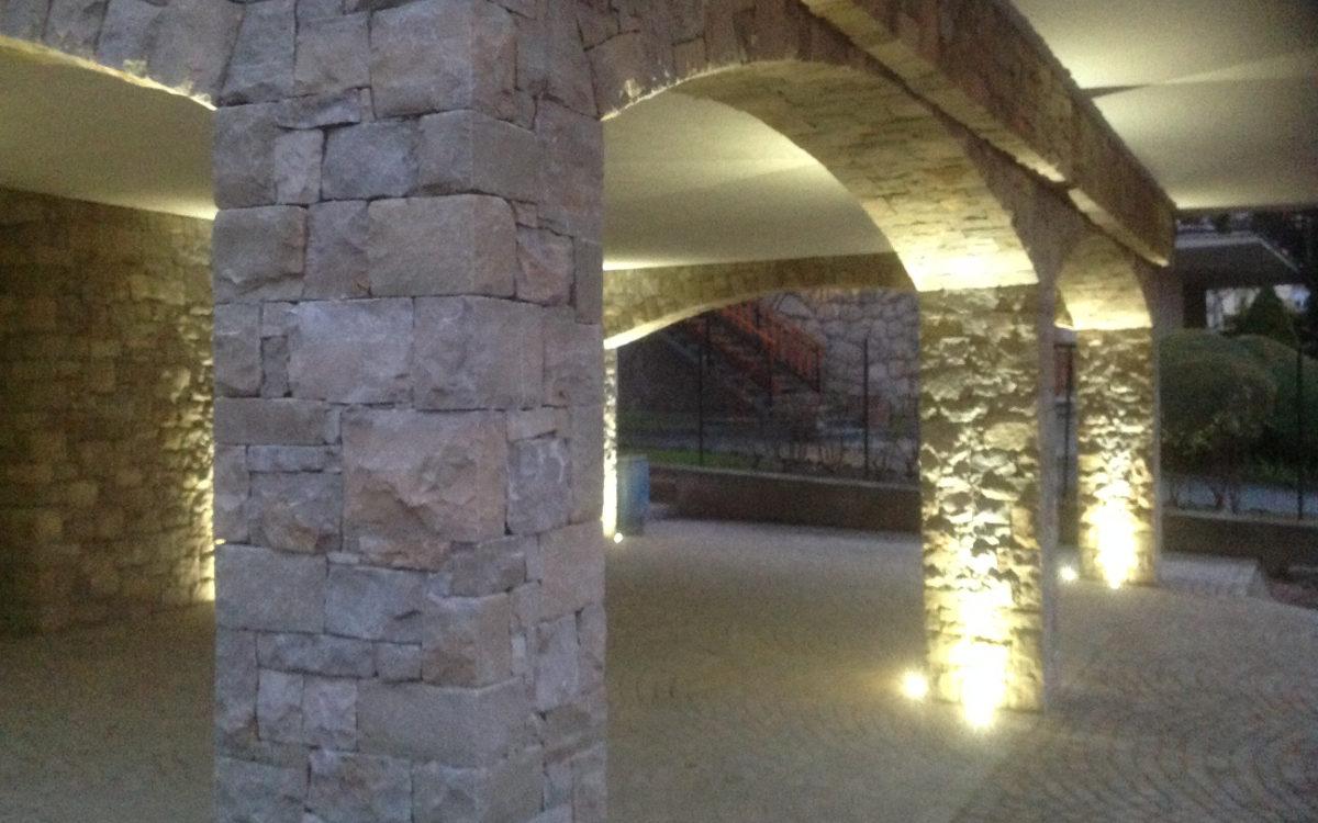 Archi in pietra per interni kp43 regardsdefemmes - Archi interni rivestiti in pietra ...