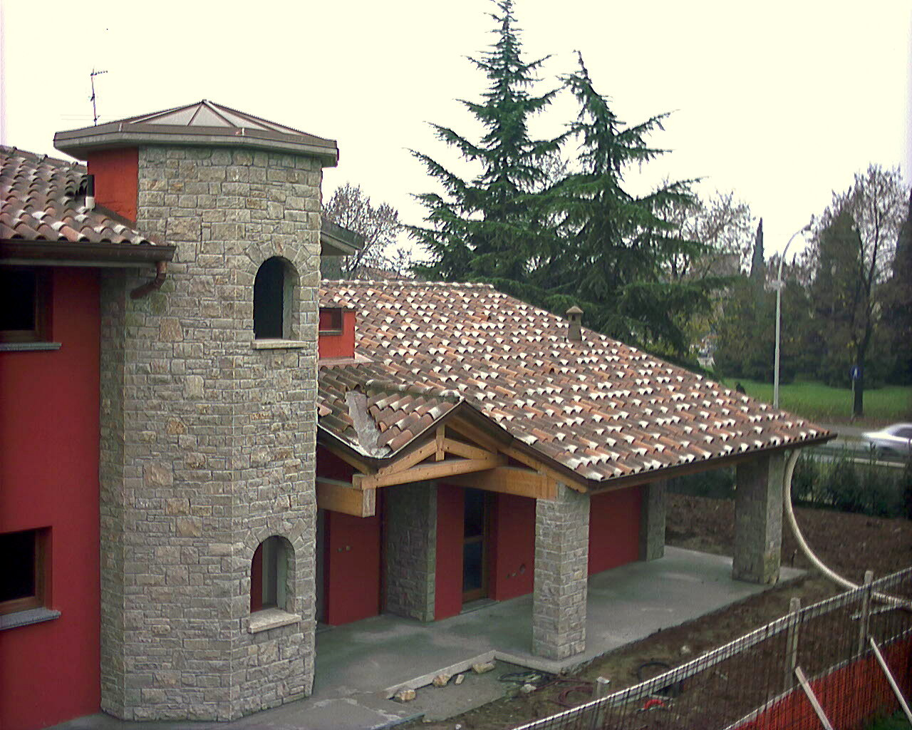 Rivestimenti per ambienti interni ed esterni in pietra - Rivestimento pilastri esterni ...